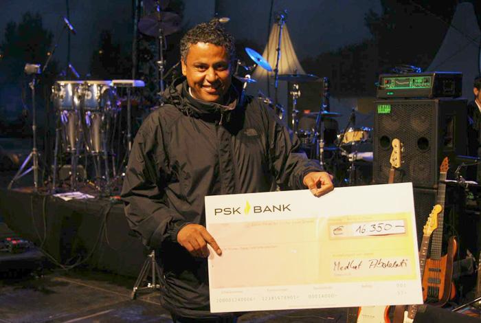 2011 Austria for Africa: 16.350,- spenden die Afrika Tage Wien für Hilfsorganisationen